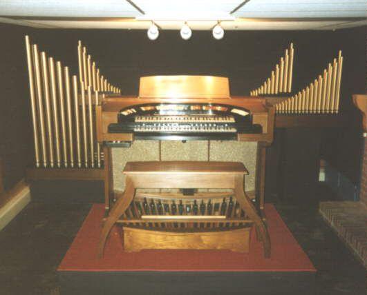 conn 3-manual theatre 651